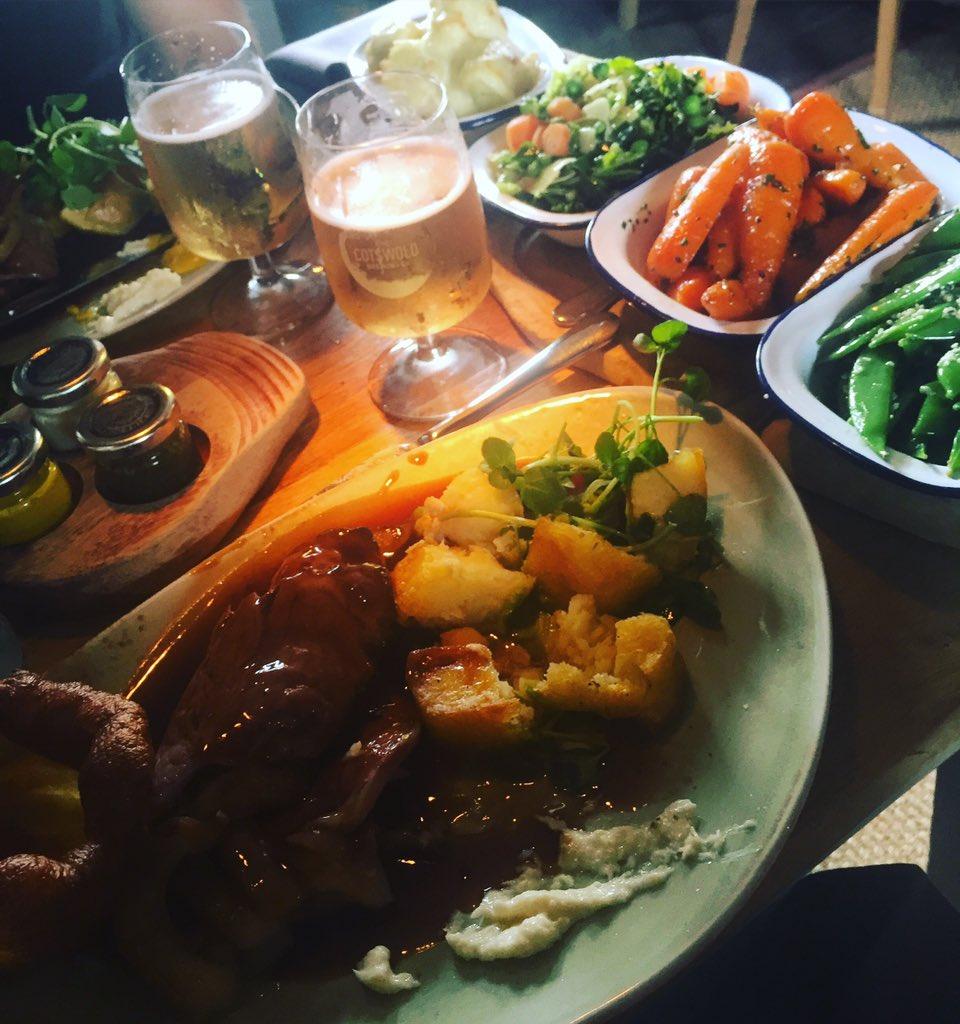 Heavenly Sunday's @fuzzyduckpub Best Roast Ever ???????????? https://t.co/5nxCOrnWEU