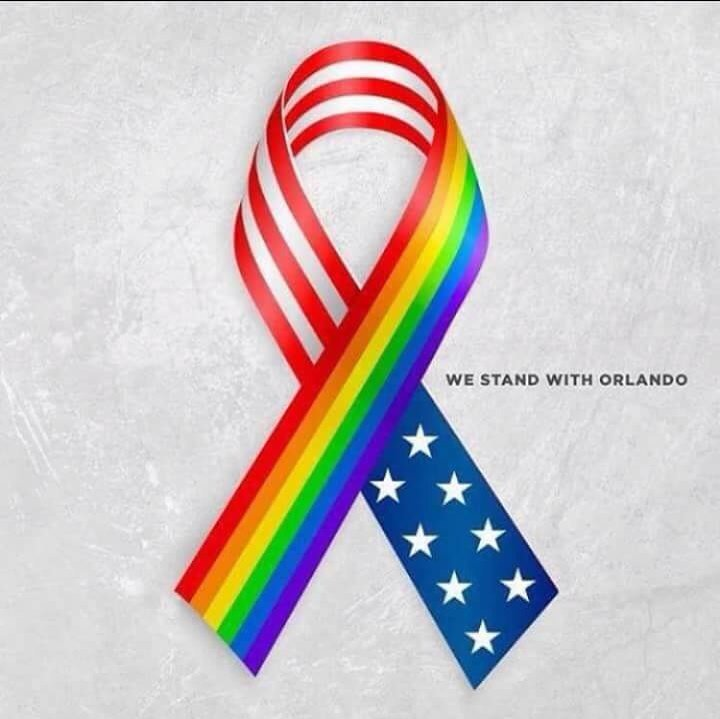 Standing together with those in Orlando who have lost loved ones and/or are suffering themselves. ❤️❤️ https://t.co/9V5VM1OoRU