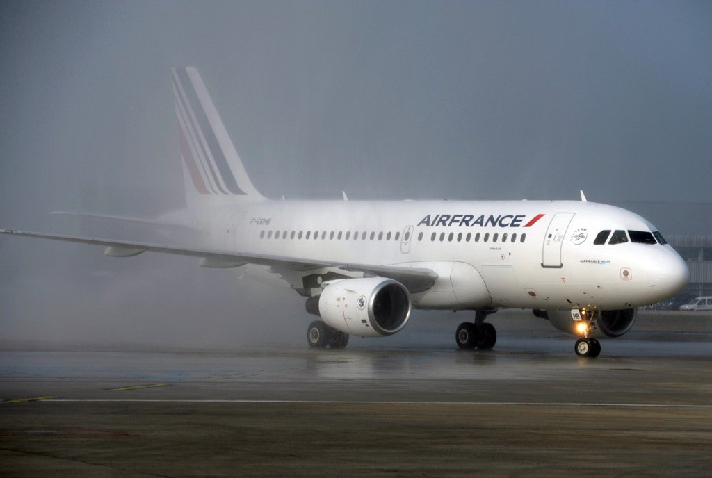 Air France Pilots Begin 4-Day Strike Threatening Travel Plans For Euro 2016