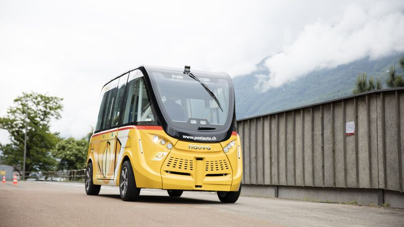 Driverless electric buses have begun operating on public roads in the Swiss city of Sion. https://t.co/HHDQUa4YM8 https://t.co/WzGTvDA5g2