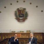 En minutos seré entrevistado por Vladimir Villegas en @Vladimirala1_gv por Globovisión. https://t.co/jw8daiYCXZ