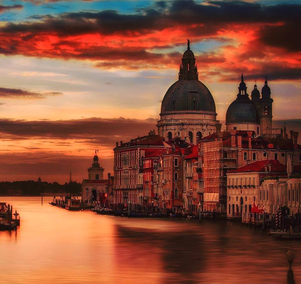 Sunset in Venice | Photography by ©Vittorio Ponti https://t.co/rnGZdHO5W7