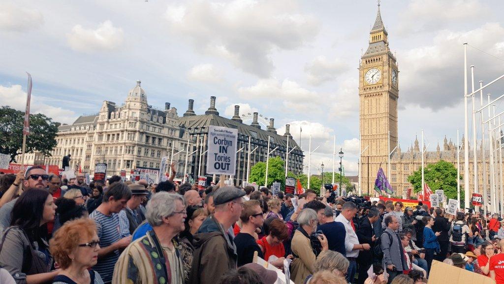 Huge turnout outside Parliament in support of Jeremy Corbyn! #KeepCorbyn #LabourCoup https://t.co/sPUyjgKXOs