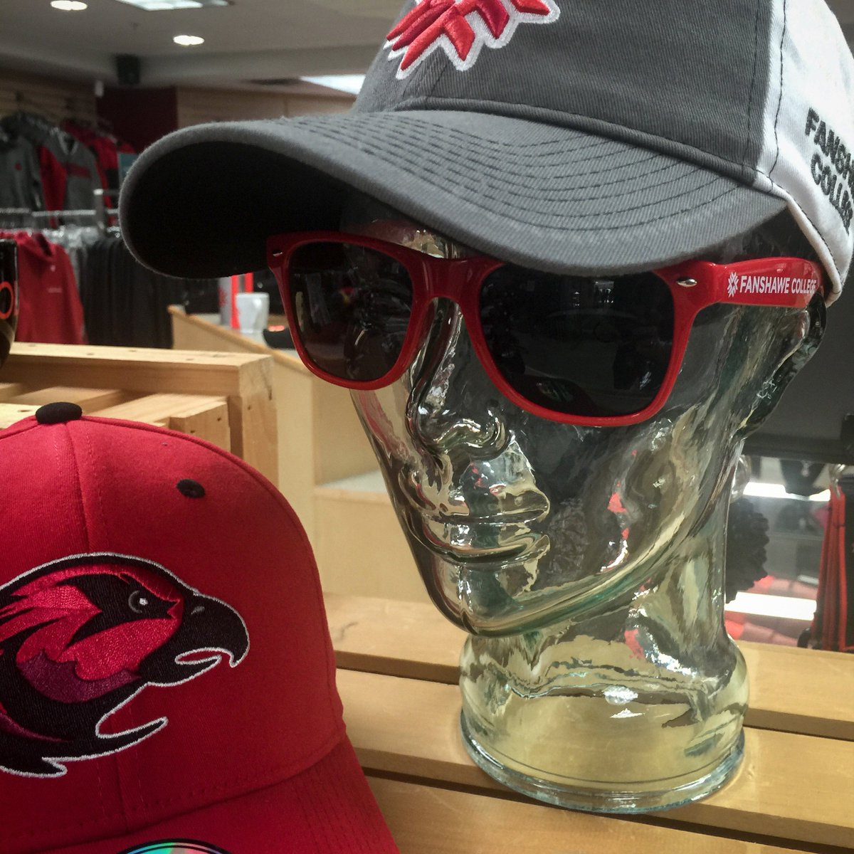 Eyeing up these #Fanshawe shades from the Red Zone? RT to win a pair - 3 random winners. #NationalSunglassesDay https://t.co/fIUL5hKEFv