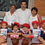 """Alumnos del jardín de niños """"Vicente Guerrero"""", de la Col. Guerrero, participaron en el #LunesDeBandera. https://t.co/orrfXyoHYM"""