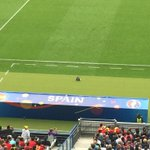 Casillas edgy, watching from edge of bench instead of on it. https://t.co/rlIfIZQvAA