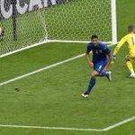I gol dei vecchi amici fanno sempre un grande piacere. L#ITA vola ✈ ai quarti di #EURO2016 . Bravissimo #Pellè 👌 https://t.co/UOqmSTeuF9