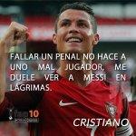 """""""Fallar un penal no hace a uno mal jugador, me duele ver a Messi en lágrimas."""" –Cristiano https://t.co/lwUb8dgYE0"""