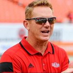 Coach Anderson would like to wish everyone a happy national sunglasses day! https://t.co/y0H99ODVvE