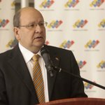Ex rector Díaz: CNE debió colocar una máquina por cada mil firmantes - https://t.co/HX2Iwgxbd5 https://t.co/irctSDokXi
