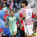 #Euro2016 Le Portugal crucifie la Croatie dans les dernières minutes (0-1, direct) https://t.co/LBxI69plwX https://t.co/ojIIFe4oKe