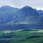 Beauty of #SouthAfrica through the eyes of Russian diplomats - Sun shines on the Drakensberg Mountains © M.Petrakov https://t.co/WF5esN82ab