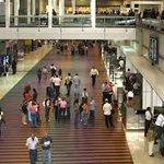 Reportan apagón en aeropuerto de Maiquetía https://t.co/lON41bIpPR https://t.co/KPZdBcjB1B