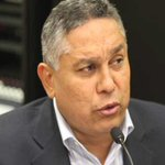 "Diputado Pedro Carreño le dijo ""idiota"" a Henry Ramos Allup https://t.co/ovnCYCjmMc https://t.co/HsKdFo2Fks"