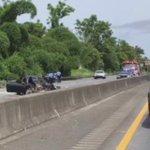 @BomberosELAPR juncos reportan Accidente vehicular en la Carreterra 30 en Caguas. https://t.co/3qgQu7ro2Y