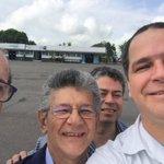 La foto de Henry Ramos sonriente saliendo para la OEA con Luis Florido - https://t.co/h2Tplf8993 https://t.co/h7CjHq4KXZ