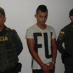 En el barrio Aeropuerto policía capturó presunto asaltante de motocicletas y se le incautó una pistola. #Cúcuta https://t.co/wHuU7red3i
