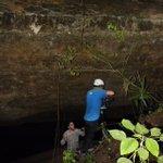 @NatGeo y @AmigosSianKaan trabajando en una producción en la cueva de #Kantemo en @MayaKaanTravel https://t.co/RcGTJ1KkgQ