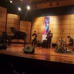El Cuarteto de jazz de la Universidad de El Paso-Texas-, despide la 7a Temporada de Jazz Universitario de Manizales. https://t.co/A9OiCDHm1f