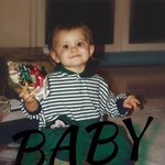 THIS LITTLE ADORABLE CUTE MUFFIN IS NOW 23 YEARS OLD I CANT BELIEVE IN THIS #Happybirthdayarianagrande https://t.co/Tj2pPTXcxs