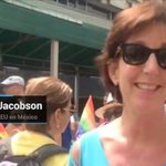 #Video Embajadora Roberta Jacobson se suma a marcha por #Pride2016, en la CDMX... https://t.co/OGV9HsuY0K https://t.co/MiKV0M4ozn
