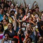 """El CNE inicia el lunes la """"validación"""" de la validación de huellas para elrevocatorio https://t.co/7p06VRuGfJ https://t.co/m9XgKxE66K"""