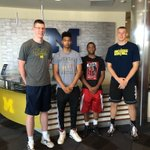 Look who arrived in Ann Arbor! Its time to get #Squad101 going #GoBlue https://t.co/keEqm4F1XZ