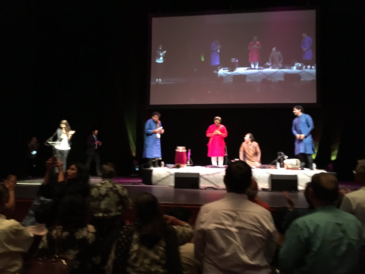 Standing ovation to music maestros  as ceremony is now ending #heartfulness #meditation @heartful_ness @NJPAC https://t.co/AejYqSxYSI