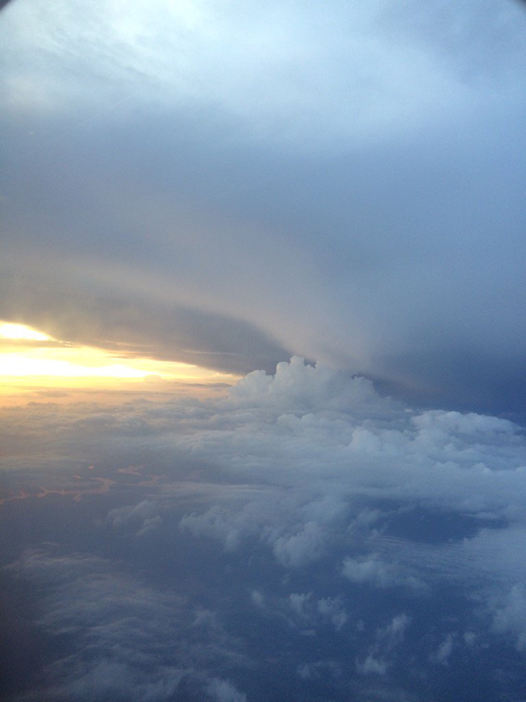 A gorgeous sky from an ATL-BHM flight this evening. @spann https://t.co/rY3qkQnAoh