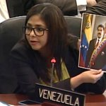 #AllupvetePalCarajo @DrodriguezVen a @Almagro_OEA2015 ni en macdonald ganarías el empleado dl mes jaja toma lo tuyo https://t.co/YQCpAZM0Ek