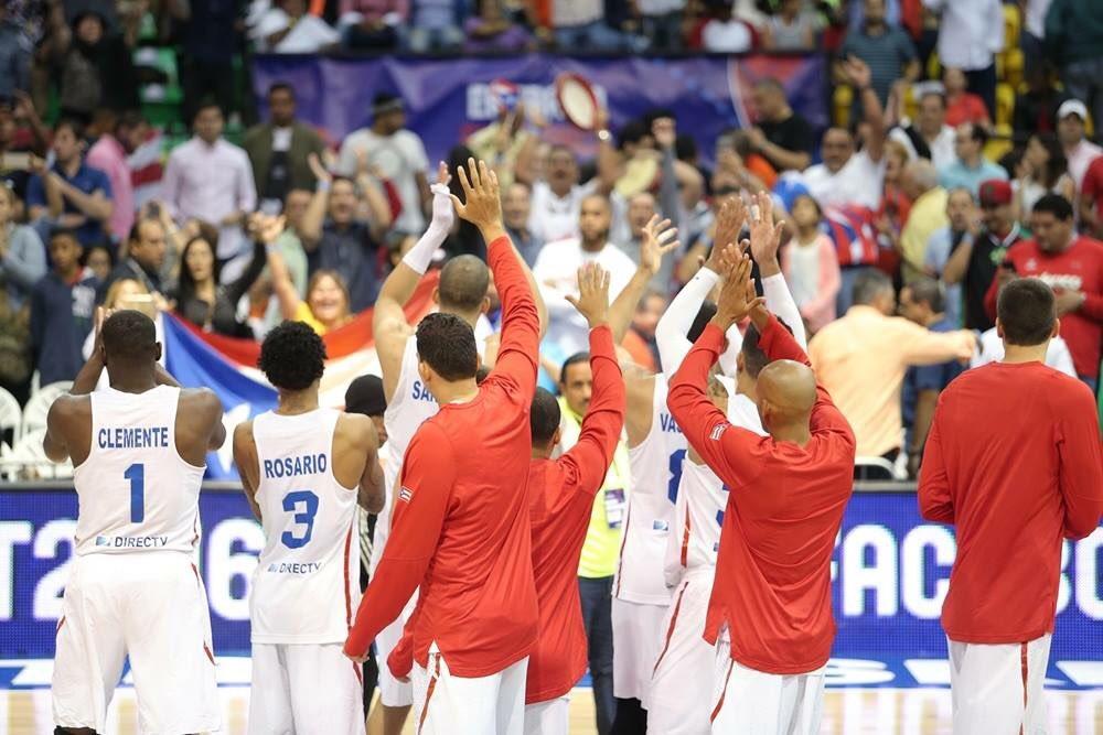 ¡Arriba Boricua! Puerto Rico gana medalla de ORO en el Centro Basket 2016. #RI1320 https://t.co/yYMvYtQSdV