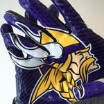 #WIN these @Vikings receiver gloves!  Weve got one pair to giveaway - just RT for your chance of winning. 😄 https://t.co/MWtMC6RMXm