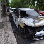 Acht Autos abgefackelt – wieder Brandstifter in #Berlin unterwegs.https://t.co/1hM0VBuSeq @bzberlin @Reporter_Flash https://t.co/4CJQtvQmeT