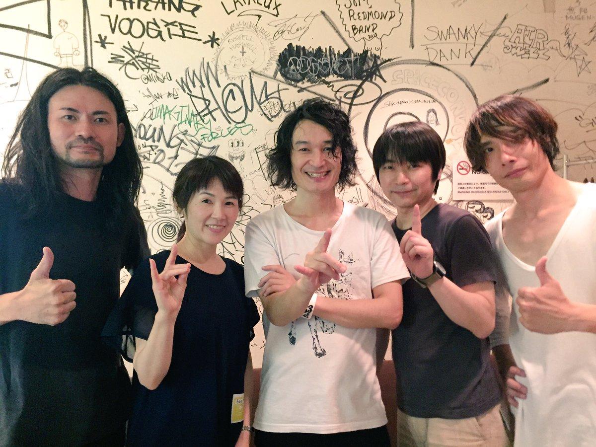 ファイナルには石田彰さん、ゆきのさつきさんも来てくれました。楽しんで下さったようで、感謝感激。ありがとうございました!#DOES #ツアーイノセンス #gintama https://t.co/6WKIzJEqCQ