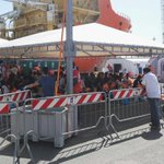 #migranti iniziata accoglienza #Cagliari anche donne e bambini @TgrSardegna @TgrRai https://t.co/Ix15mABTXo
