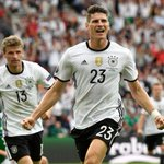 Ex-Nationalstürmer Miro #Klose schwärmt von Mario #Gomez. #GERSVK #EURO2016 https://t.co/gkaLnkYwsx https://t.co/ox8xlKBdEm