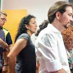 Después de acompañar a @Pablo_Iglesias_ a votar, camino de mi colegio electoral para votar #UnidosPodemos26J https://t.co/uhcwiaImc6