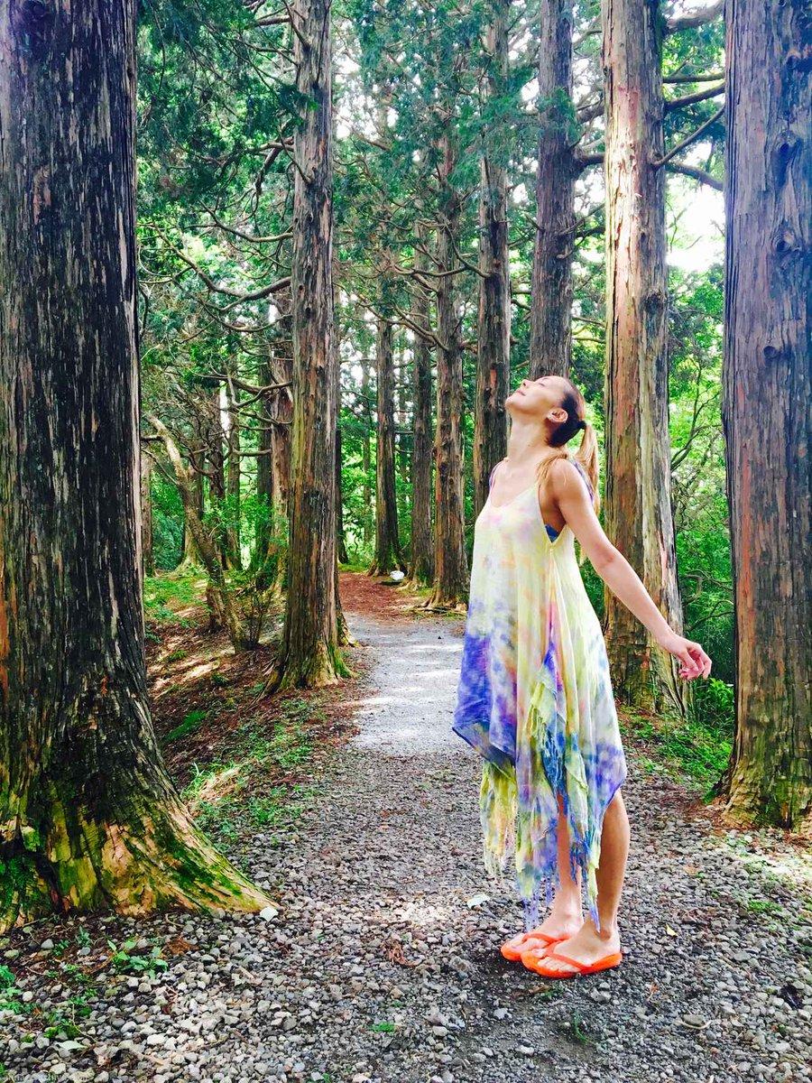 breathing 大自然はやっぱりいいね 空気が違うなり 大都会にいるとたまに自然に感謝するのを忘れてる自分が ... https://t.co/OCQ8ixH8uk #anna_tsuchiya #Anna #Fashion https://t.co/NBfdN6VS2l
