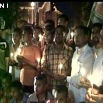 Moradabad (UP): Locals light candles to pay tribute to jawans who lost life in Pampore attacks https://t.co/tBsuzADlXC