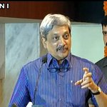 """We seek peace but from the position of """"strength"""" and not from the position of """"weakness"""": Manohar Parrikar https://t.co/3FgEjXVO4Y"""