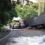FGR Zaragoza procesó escena de accidente de tránsito. C. al Puerto de La Libertad, donde fallecieron cuatro personas https://t.co/YUoirfhrAO
