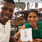 Un exemplaire de mon livre dédicacé pour @samira_salomon notre élue à lespace vert de #Montpellier @saurel2014 https://t.co/hnOyUEDKBg