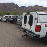 Woman hiker rescued from finger rock trailhead. She is back in the parking lot safe. #Tucson #Hikerrescue https://t.co/MbK3T1bcjp
