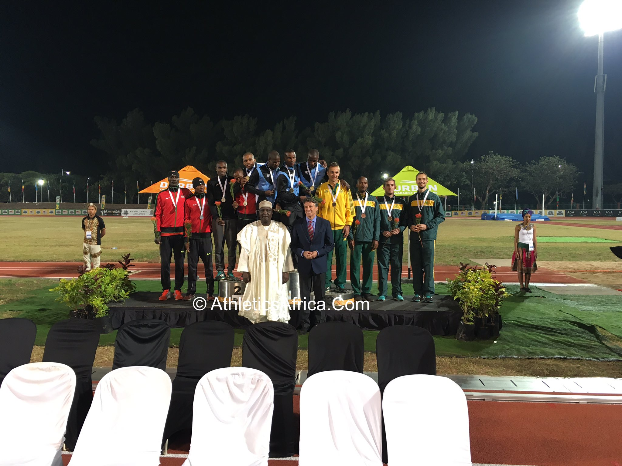 Medals presentation to the podium in the men's 4x400m Relay 🇰🇪🇧🇼🇿🇦 #AfricanChamps #Durban2016 #CAA2016 #Lagos2018 https://t.co/fI9dIY5yvn
