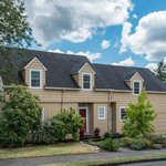 Gorgeous home + a charming neighborhood. MUST SEE NE #PDX home! Open house today 11-3 https://t.co/R9r1xrnj54 https://t.co/R5KCbT6L1O