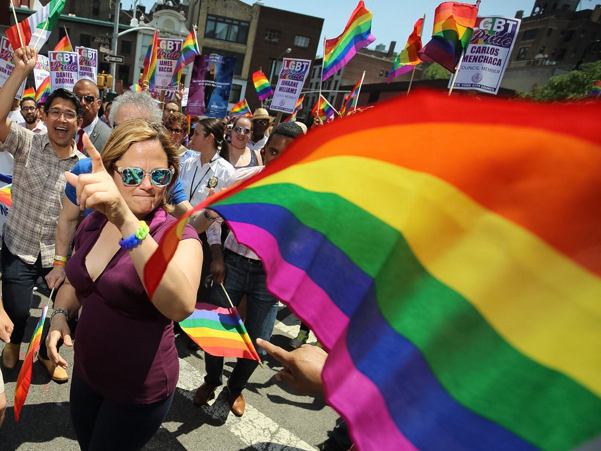 Speaker @MMViverito and @NYCCouncil March in the 2016 #NYCPride parade https://t.co/2pnnzau69U
