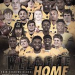 Welcome to our 2️⃣0️⃣1️⃣6️⃣ class!   They are officially on campus, moved in, and ready to get to work!   #Peak16 https://t.co/2OJWvVWP9J