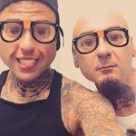 😁 Sto volando duro ✈️  Snapchat: fedezofficial https://t.co/fXFv67gYHI