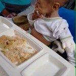 Dos visiones de país: El nieto de Diosdado tomando en su tetero leche, muy saludable, el otro lo que tiene es PATRIA https://t.co/lIrEvI7mjm