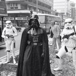 Possibly the scariest tourist to have visited #London?Darth Vader, Oxford Street 1980 #Londonislovinit #lovelondon https://t.co/FINqXtgq0k